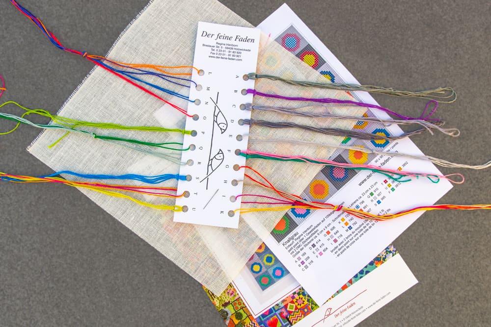 Stickpackung mit Zählmuster, Leinen, DMC-Garn und Nadel