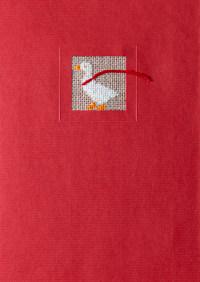 Rote Grußkarte mit Gans, gestickt
